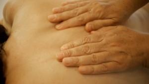 1-Altenpflege-Atemstimulierende-Einreibung-Basale-Stimulation-Startbild
